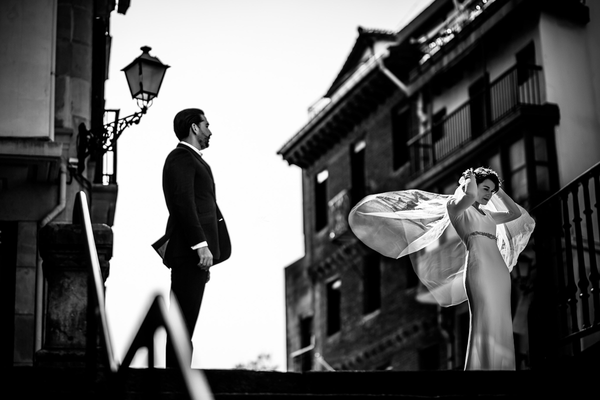 The veil of the bride in San Sebastian